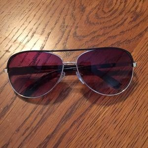 Guess sunglasses for women.